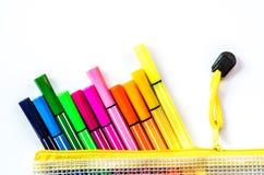 De volta ao conceito da escola vário estacionário no branco Foto de Stock