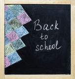 De volta ao giz da escola em um quadro-negro Imagem de Stock Royalty Free