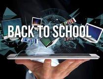 De volta ao título da escola cercado pelo dispositivo goste do smartphone, tabuleta Imagens de Stock Royalty Free