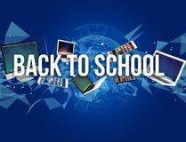 De volta ao título da escola cercado pelo dispositivo goste do smartphone, tabuleta Fotografia de Stock