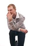 De volwassen kerel in een overlapping isoleert Stock Fotografie