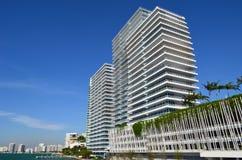 De voor de betere inkomstklasse Bouw van het Flatgebouw met koopflats SoBe Royalty-vrije Stock Afbeeldingen