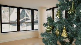 De vooravondkerstmis van de huiswoonkamer viert De vooravond van de Kerstmisvakantie Groene spar met gouden decor Nieuw levenssti stock footage