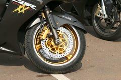 De voorband van Honda CBRXX met zilveren en gouden kleuren Stock Fotografie