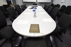 De voorbereiding van de conferentieruimte Stock Foto