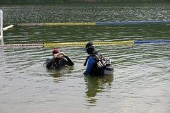 De voorbereiding van de duiker stock afbeelding