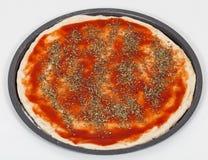 De voorbereiding van de pizza Royalty-vrije Stock Afbeeldingen