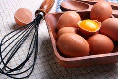 De voorbereiding van eieren Stock Foto