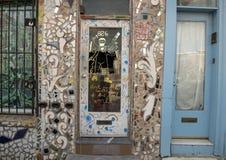 De voordeur van het huis van Isaiah Zagar, Philadelphia Stock Fotografie