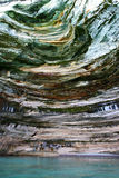 De voorgestelde Nationale kleuren Lakeshore van Rotsen Royalty-vrije Stock Fotografie