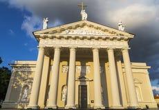 De voorgevel van de kathedraal Stock Fotografie