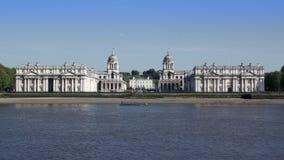 De voorgevel van de oude Koninklijke Zeeuniversiteit in de Theems in Greenwich, Engeland Royalty-vrije Stock Foto's