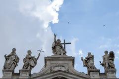 De voorgevel van heilige John Lateran Basilica stock afbeelding