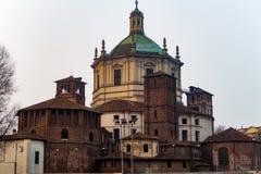 De voorgevel van Milaan, Italië Basilica Di San Lorenzo Maggiore stock afbeelding