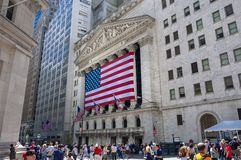 De voorgevel van New York Stock Exchange in Wall Street stock afbeelding