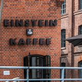 De voorgevelmening van Berlin Einstein cafée van de Fuifrivier royalty-vrije stock afbeeldingen