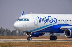 De a320-Voorraad van indigoluchtvaartlijnen Beeld Stock Afbeelding