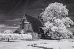 De Voorstad van de Hampsteadtuin, Londen het UK - Infrarood zwart-wit landschap Stock Foto