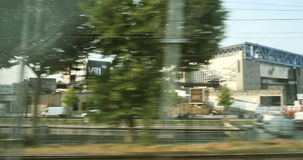 De voorstad van Parijs van trein wordt gezien die stock videobeelden
