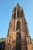 De voorzijde van de de kathedraalarchitectuur van Frankfurt Stock Afbeeldingen