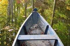 De voorzijde van een oude houten boot Stock Afbeelding
