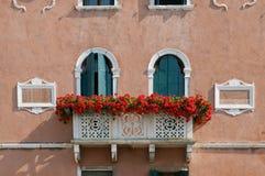 De voorzijde van het huis in Venetië Stock Afbeelding