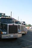 De Voorzijden van de vrachtwagen Stock Foto's
