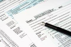 De Vorm 1040EZ van de belasting stock foto's