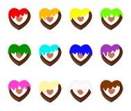 De vorm van het chocoladehart voor valentijnskaartdag met 12 kleuren die room met een laag bedekken vector illustratie