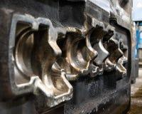 De vorm van de hoge precisiematrijs voor het gieten van automobielaluminiumdelen maakt met het staal van het ijzermetaal door de  stock foto