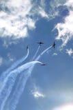 De vorming van JAKKEN 52 vliegtuigen bij Roemeense Lucht toont Royalty-vrije Stock Foto's