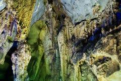 De Vormingen van de stalactiet en van de Stalagmiet Stock Foto's