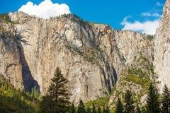 De Vormingen van de Yosemiterots stock afbeeldingen