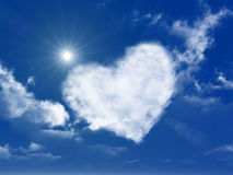 De vormwolk van het hart op de hemel Stock Foto's