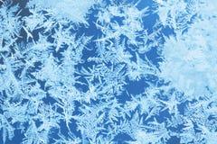 De vorst van het de winterijs, bevroren achtergrond berijpt vensterglas textur stock fotografie
