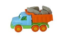 De vrachtwagen met stenen Stock Afbeeldingen