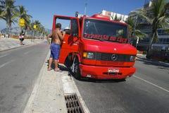 De Vrachtwagen Rio Brazil van de kokosnotenlevering Stock Afbeelding