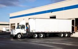 De Vrachtwagen van de Aanhangwagen van de tractor royalty-vrije stock foto
