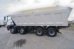 De Vrachtwagen van de concrete Mixer stock afbeeldingen