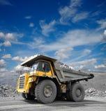 De Vrachtwagen van de mijnbouw royalty-vrije stock afbeelding