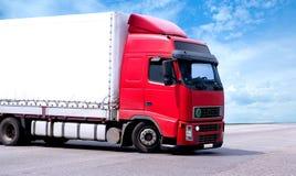 De vrachtwagen van de oplegger stock afbeelding
