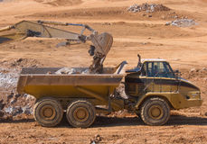 De Vrachtwagen van de stortplaats Stock Foto's