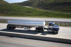 De Vrachtwagen van de tanker Stock Foto