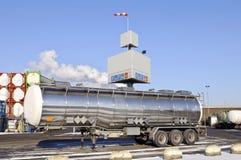 De Vrachtwagen van de Tanker van de brandstof stock foto's
