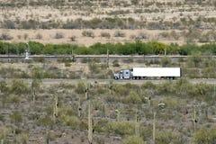 De Vrachtwagen van de woestijn Stock Afbeeldingen