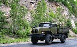 De vrachtwagen van het leger stock foto's