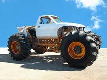 De vrachtwagen van het monster stock afbeeldingen