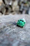 De vrachtwagen van het stuk speelgoed Stock Afbeeldingen