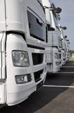 De vrachtwagens van de oplegger Stock Foto's