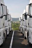 De vrachtwagens van de oplegger Royalty-vrije Stock Afbeeldingen